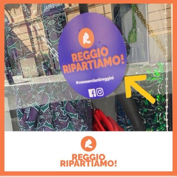 """images """"Bianco è libertà'. I commercianti di Reggio Calabria contro le chiusure"""