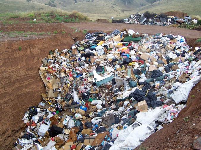 images Trasportava rifiuti pericolosi, denunciato