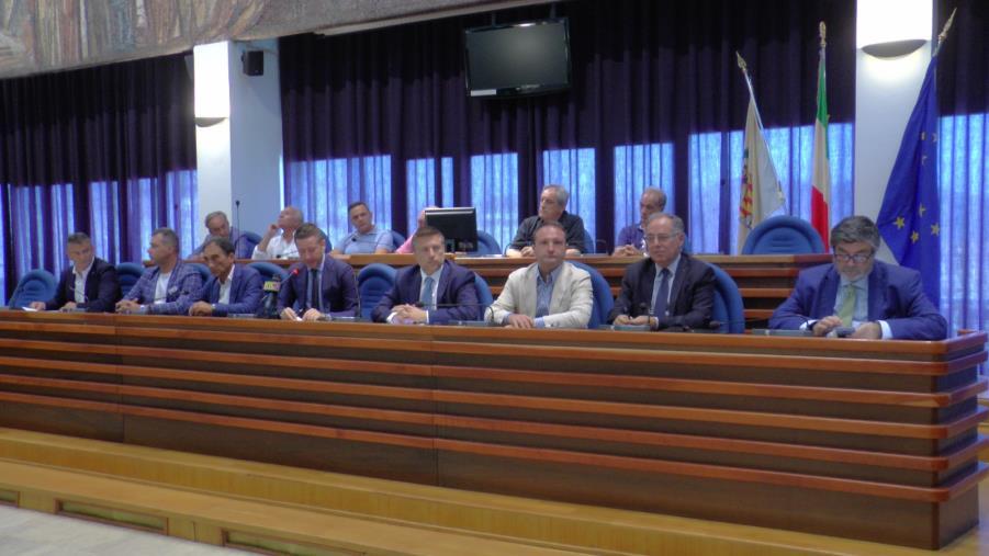 images Le Camere di commercio di Catanzaro, Crotone e Vibo unite contro la fusione (VIDEO)