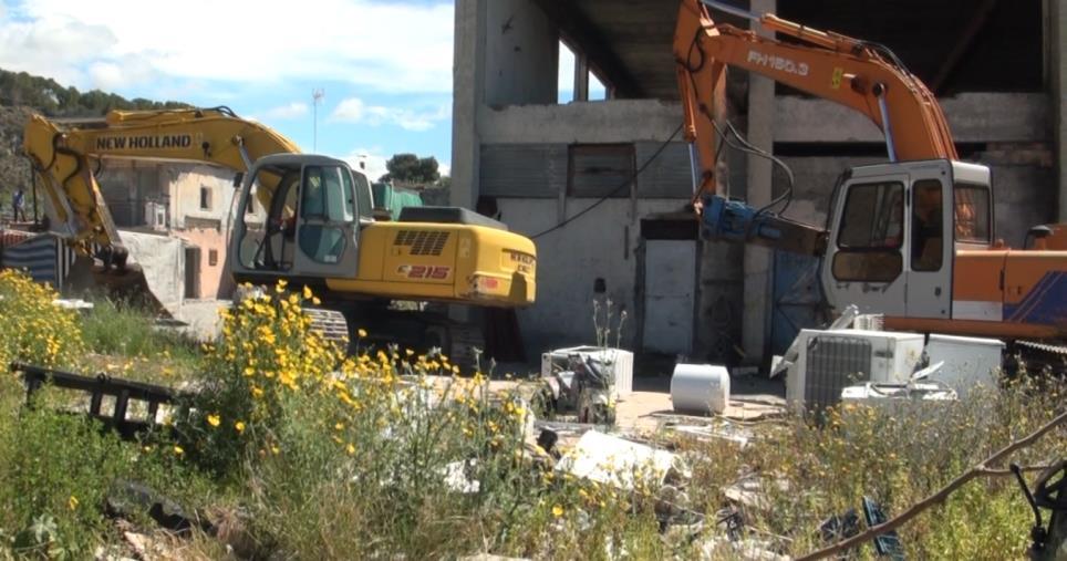 images Melito Porto Salvo. Sgomberato insediamento rom abusivo con alloggi fatiscenti e  precarie condizioni igienico sanitarie