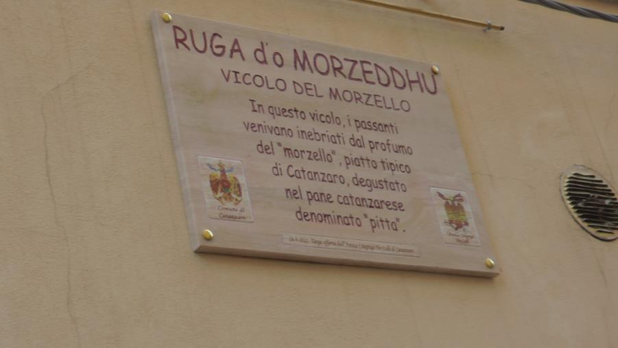 """Catanzaro. Da oggi in città c'è la """"Ruga d'o morzeddhu"""""""