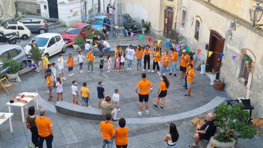 """images """"Tutti insieme in allegria"""": scout, Mudas e volontari """"travolgono"""" il rione Sant'Angelo nel centro storico di Catanzaro"""