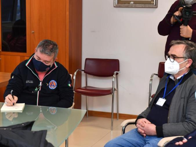 """images Sanità. Spirlì ai vertici della clinica Sant'Anna: """"Lavoriamo per tutelare un'eccellenza"""""""