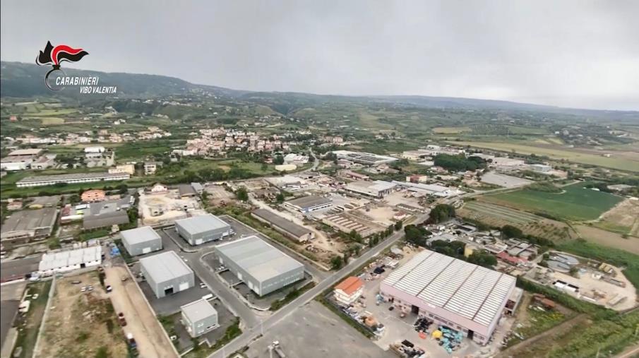 """images Porto Salvo. Sequestrato uno """"scheletro industriale"""" rivalutato in discarica abusiva"""