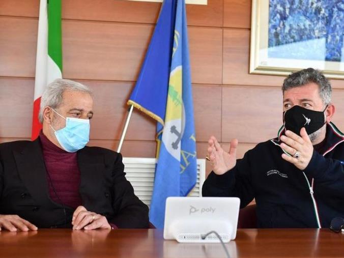 images Vaccini in Calabria. Firmati gli accordi con farmacisti, pediatri e odontoiatri
