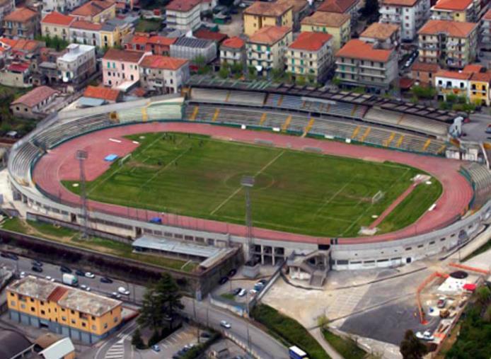 images Serie C, la gara tra Cavese e Catanzaro rinviata per lutto