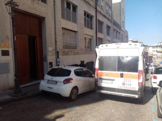 images Cancelliere del Tribunale di Catanzaro in pensione trovato morto nella sua abitazione in centro