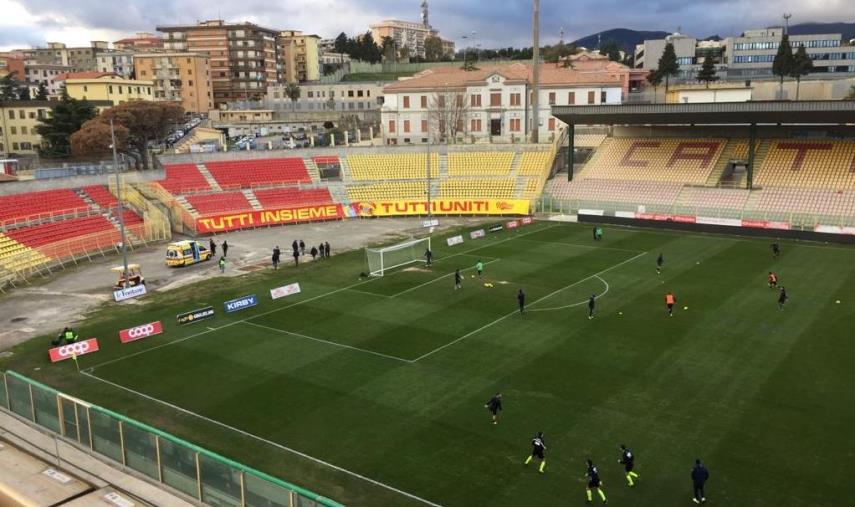 images Catanzaro e Casertana in campo alle 17.30: formazioni ufficiali