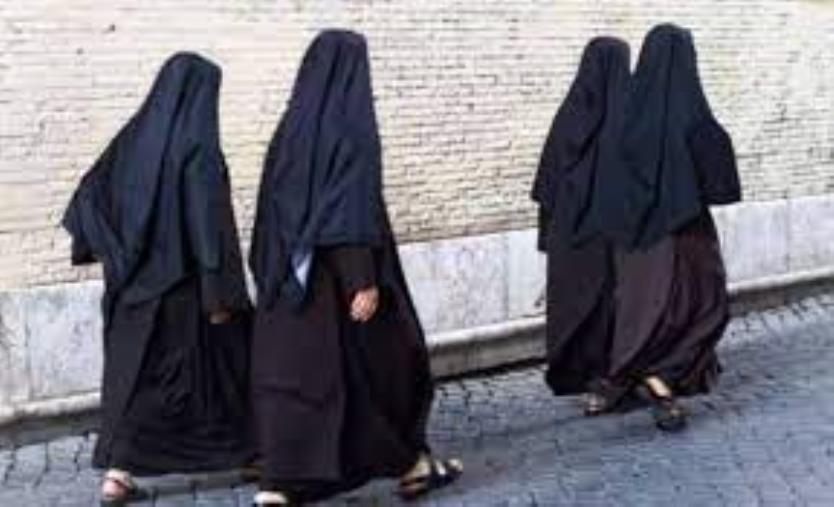 images Covid. Positive 12 suore di un convento nel reggino