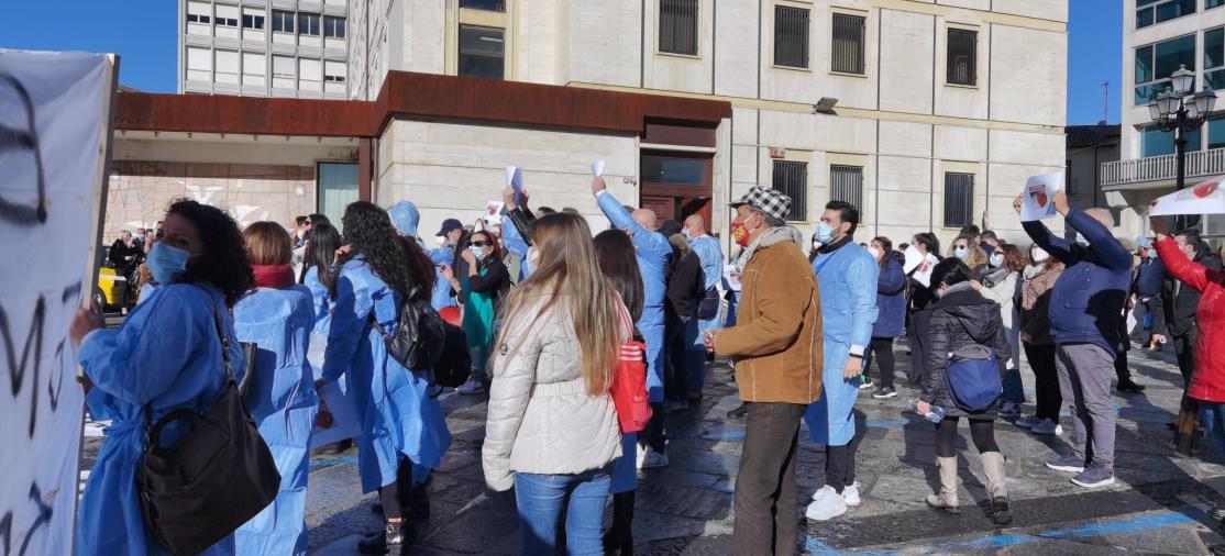 images Sant'Anna Hospital. La solidarietà dell'Opi di Crotone agli operatori sanitari