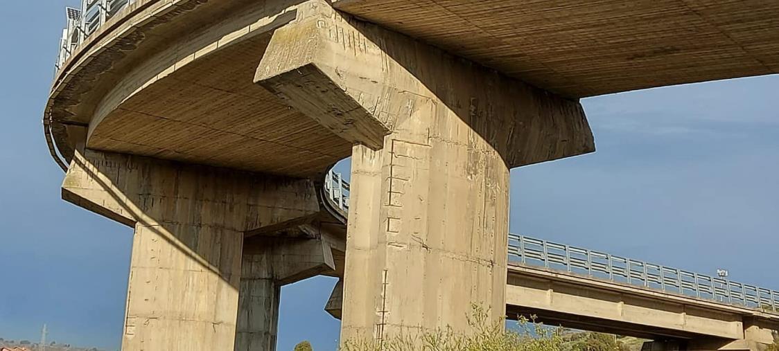 images Muro crollato sulla Provinciale 168/1. Il sindaco di Marcellinara chiede che la Provincia destini 50mila euro per la riapertura su una corsia