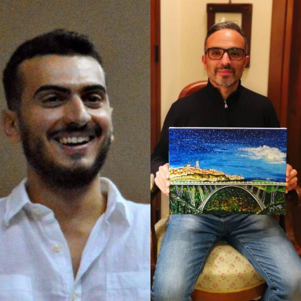 """images L'artista Fabio Mazzitelli """"dona"""" uno scorcio di Catanzaro all'assessore di Parghelia Vallone"""