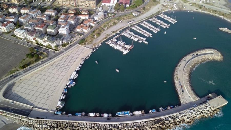 """images Sgombero delle barche al porto di Lido """"sospeso"""". Cambiavento: """"Bene, perché il Comune non può scaricare tutti gli oneri sui cittadini"""""""